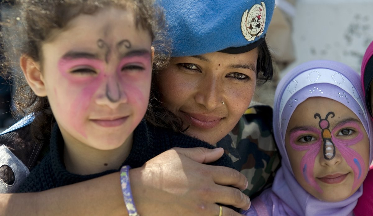 UNIFIL hosts school children from south Lebanon on Universal Children's Day