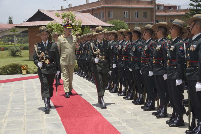 Gen Zubair Mahmood Calls on COAS